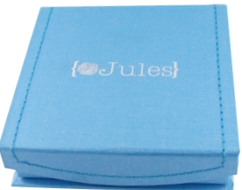 {Jules} Signature blue jewelry box.